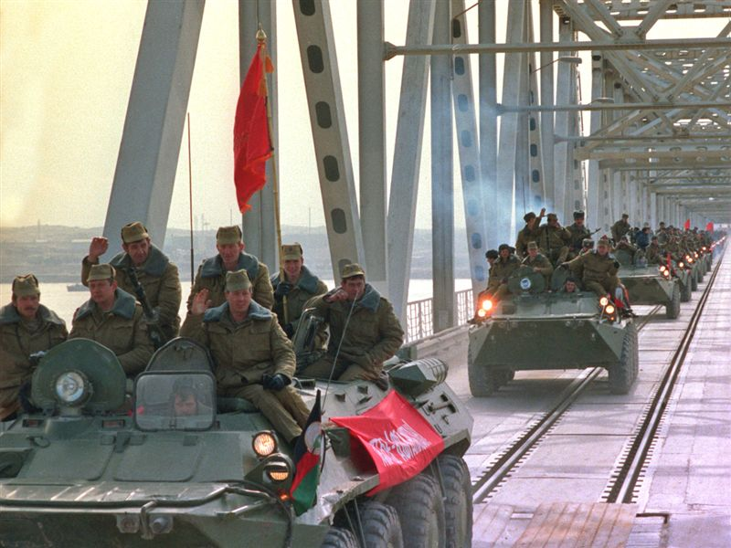 Soviets leaving Afghanistan, 15 Feb 1989