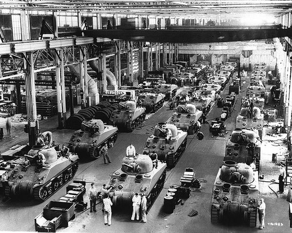 An assembly line at the Detroit Arsenal Tank Plant in Warren. Between 1941 and 1945, the plant reportedly built an estimated 22,000 tanks. (U.S. Army Photo)
