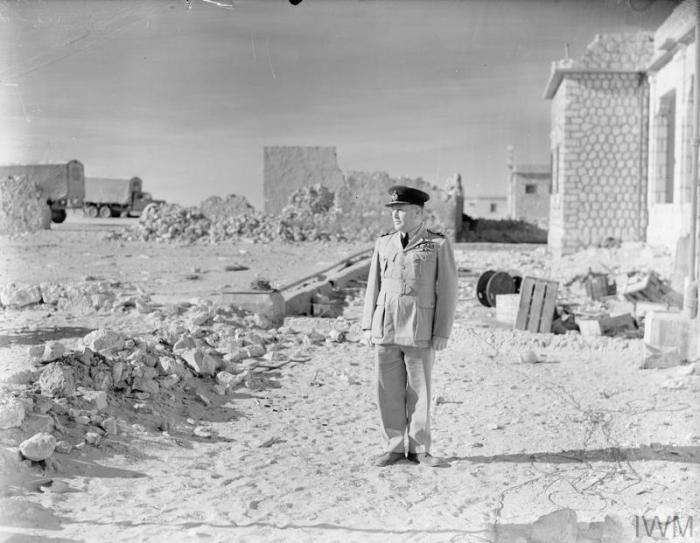 Air Commodore Raymond Collishaw in Libya, January 1941, during the advance on Tobruk. (Imperial War Museum)