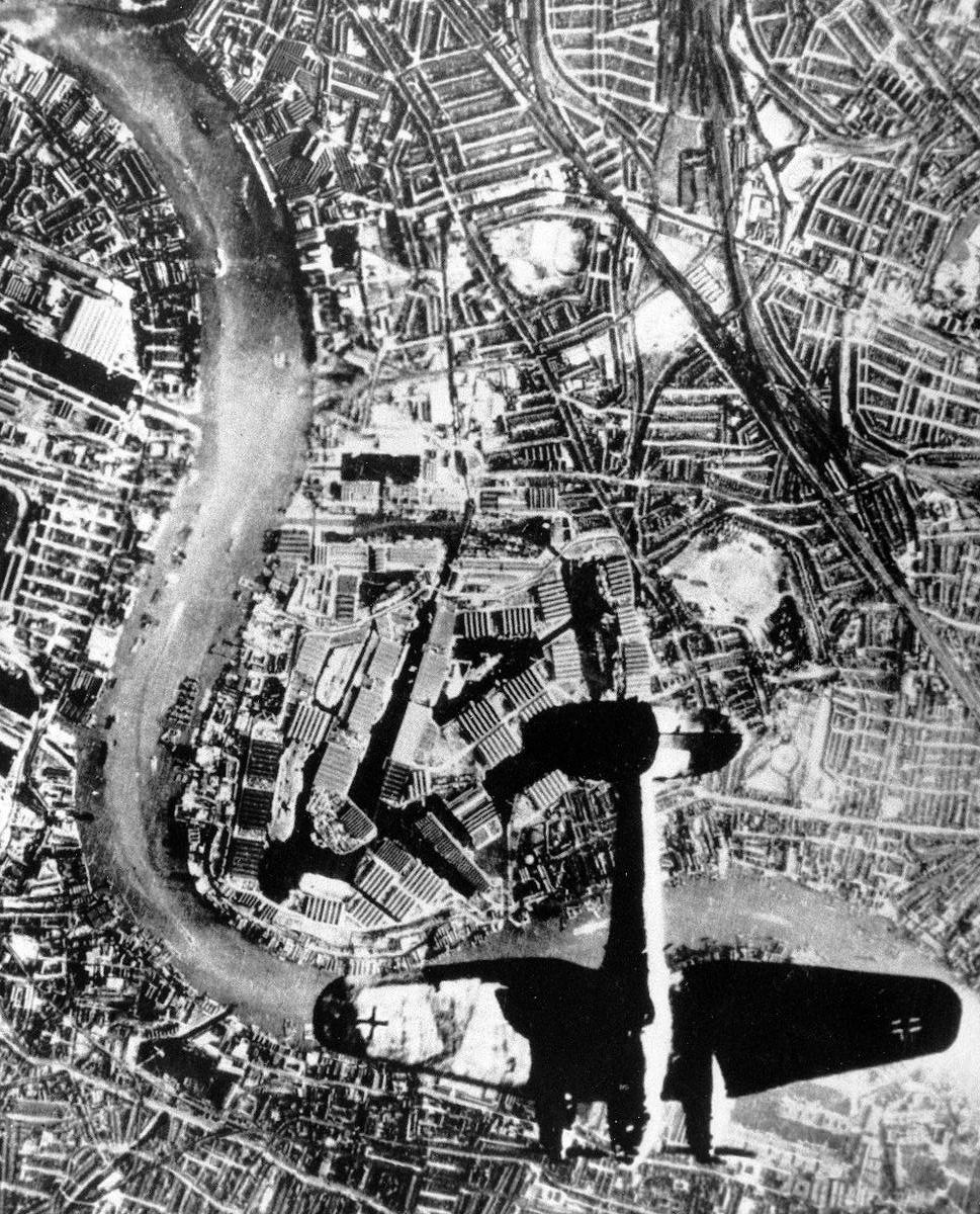 German He 111 bomber over Surrey Docks, London, England, UK at 1700 hours on September 7, 1940 (World War II Database)