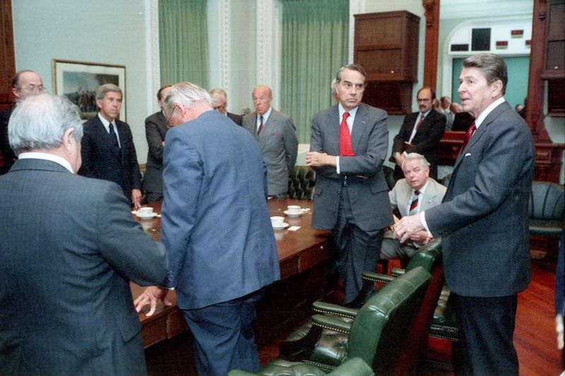 """President Ronald Reagan meeting with members of the U.S. Congress to discuss the air strike on Libya (""""Operation El Dorado Canyon""""), 14 April 1986. (Wikimedia)"""