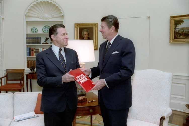 Caspar Weinberger with President Ronald Reagan (U.S. Presidential History)