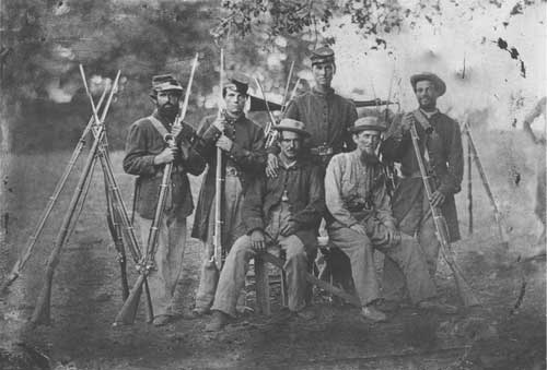 A group of Confederate soldiers. (NPS)