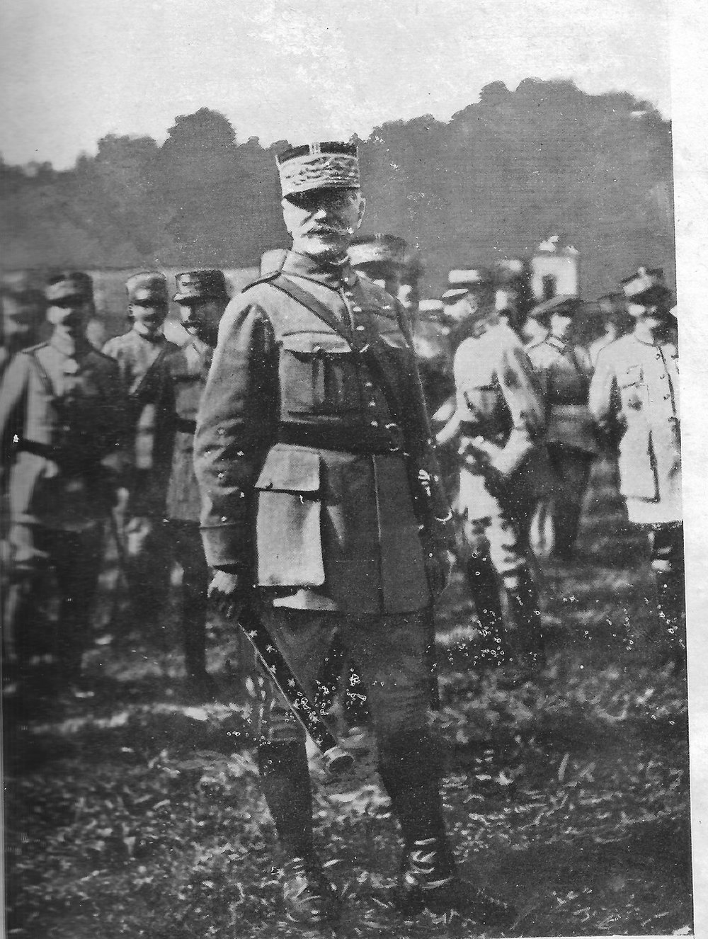 Ceremony of promotion to Marshal of General Ferdinand Foch in 23 of October of 1918, when he received the Marshal of France (Wikimedia)