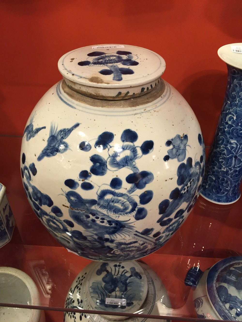 You can never, ever go wrong with blue and white porcelain.