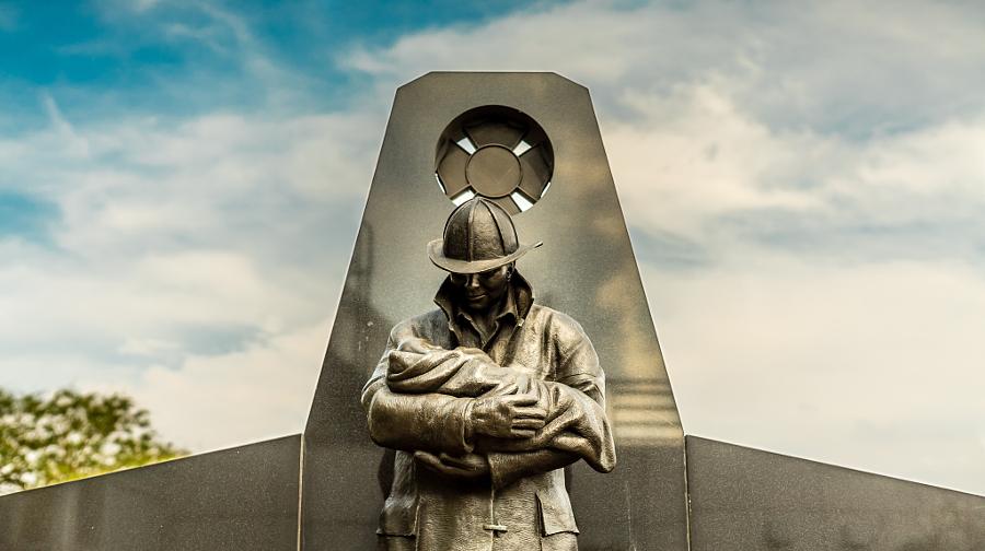 Toronto. Fallen Firefighter Memorial.