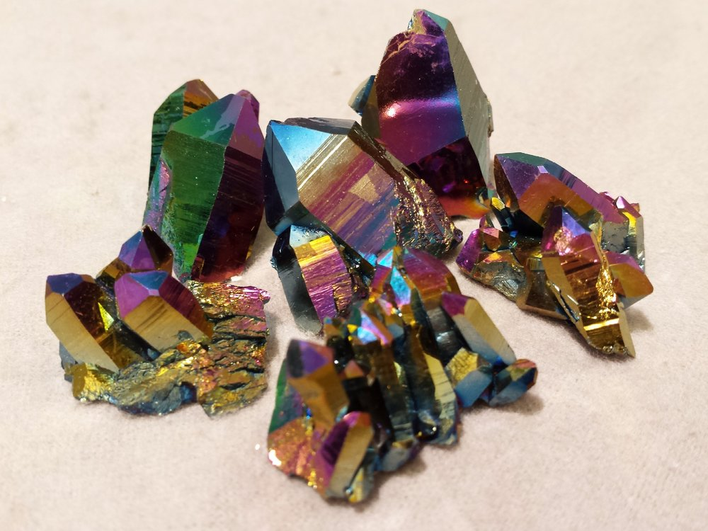 rainbow-quartz-1435111_1920.jpg