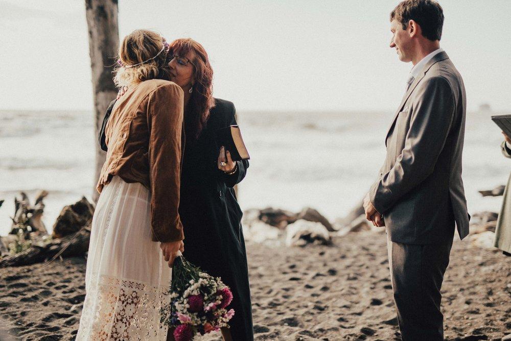 Marcella Laine Photo Intimate Coastal Wedding_1570.jpg
