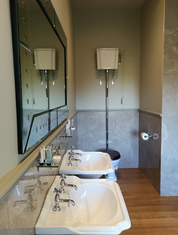 Gainsborough bathroom