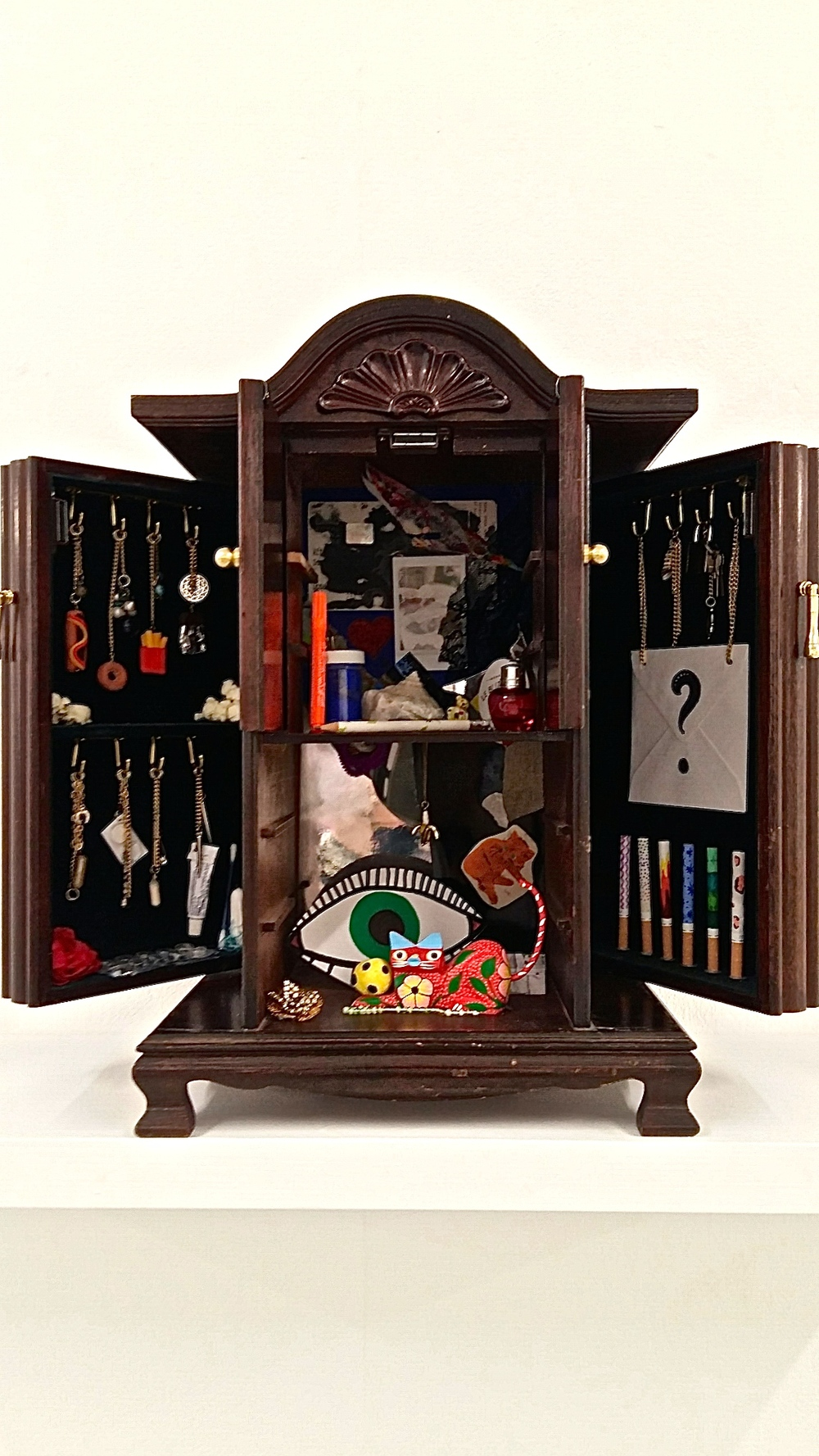 Cabinet of me