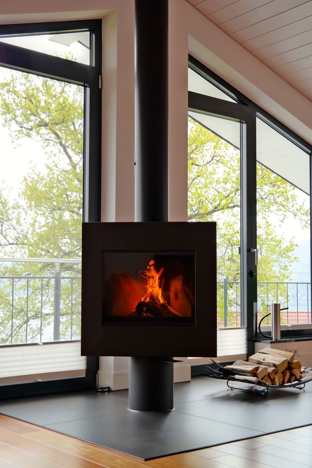 Harrie Leenders Dia BaseRotatable Wood Burning Stove