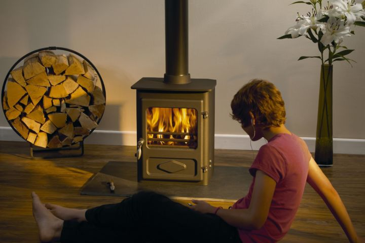 The Foxfire Range   This little stove has a stunning 82% efficiency! The Foxfire not only benefits from the unique Woodwarm cleanburn air wash system, but also features new design details such as the standless steel handle.