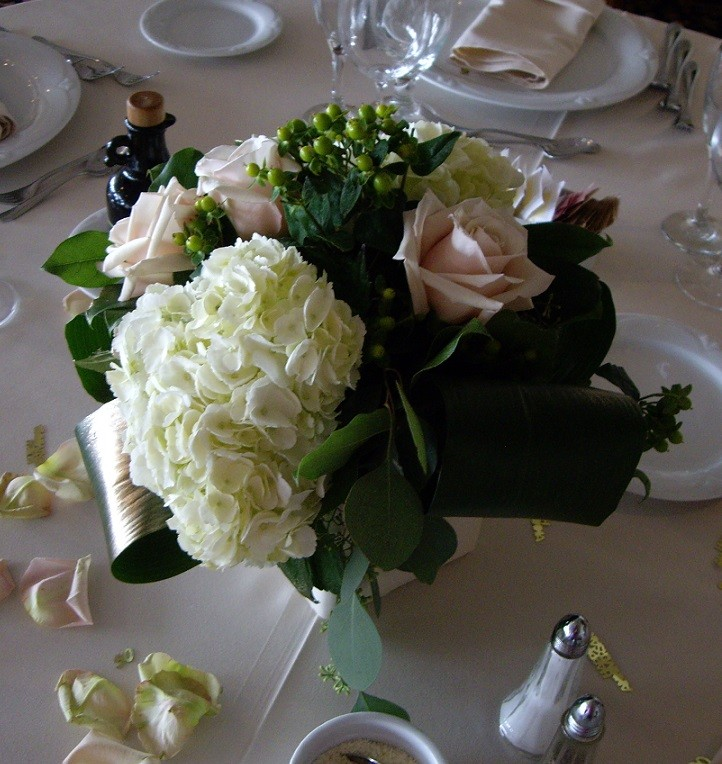 Guest Table Arrangement.jpg