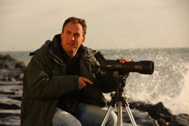 Saturday Keynote speaker Richard Crossley is an internationally acclaimed birder, photographer and award winning author of 'The Crossley ID Guide' series