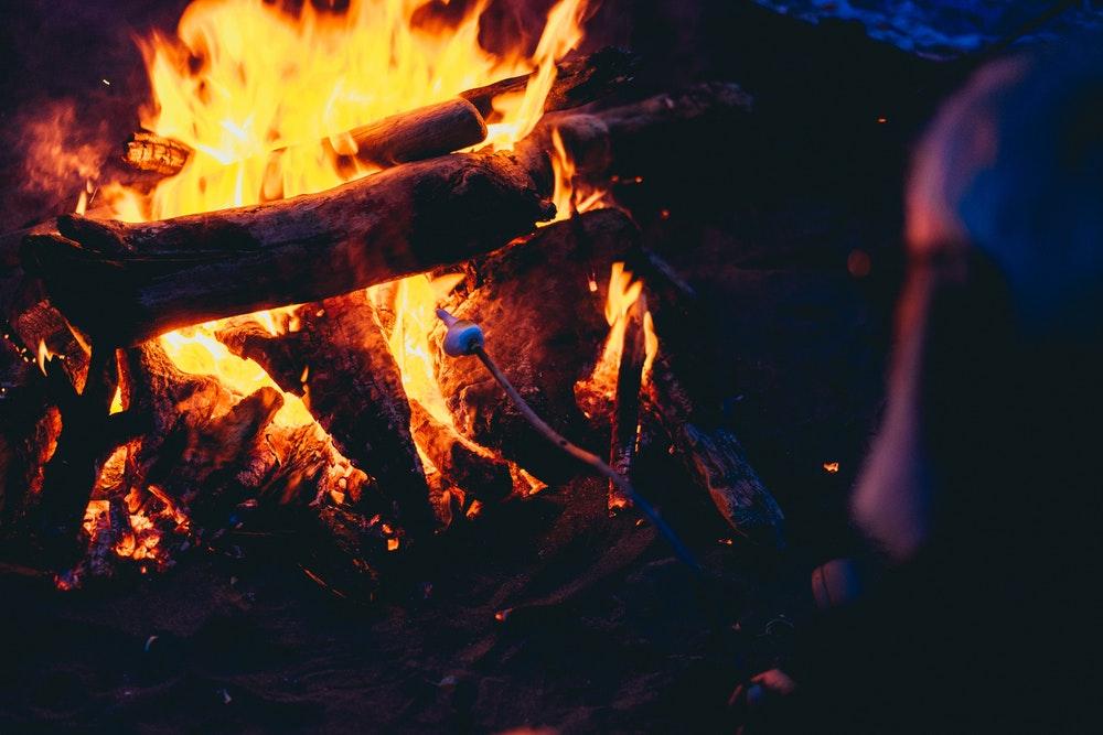 CampfireWithMarshmallow.jpeg