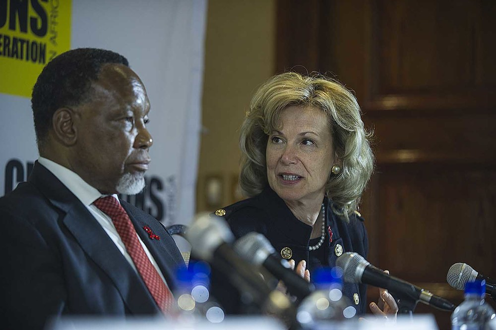 Former South African President, Kgalema Motlanthe, and US Ambassador for Global Health, Deborah L. Birx take part in the press conference after the board meeting of the Champions.