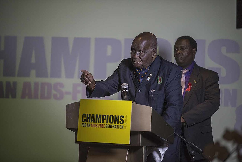Former Zambian President Kenneth Kaunda addresses guests at the Champions Gala Dinner.