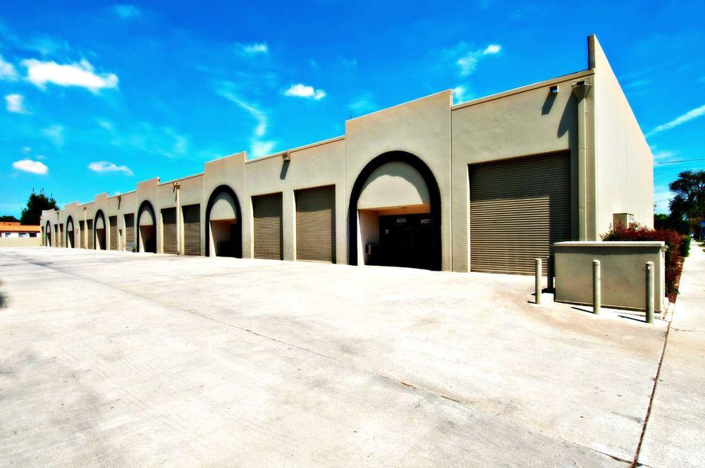 <p><strong>Complejo Industrial Ward</strong>Suite 8055<br>1.500 M²<br><u>Mas Información</u><a>Ver Propiedad →</a></p>