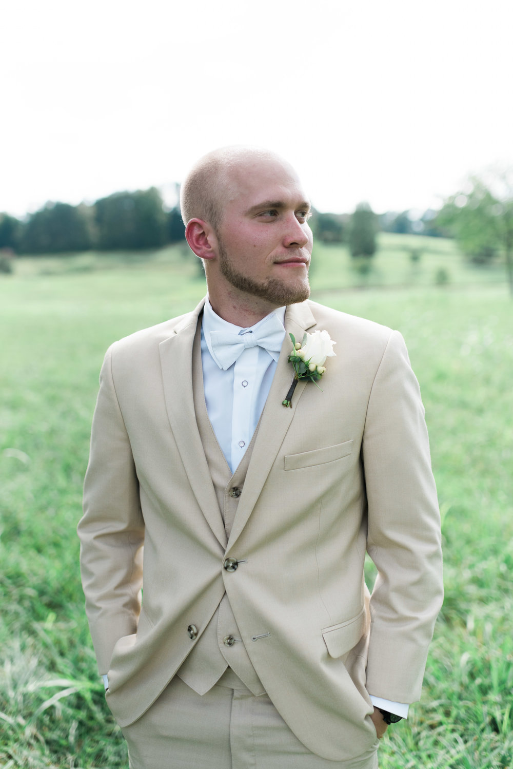 groom deep south farm ellijay north georgia atlanta wedding photographer