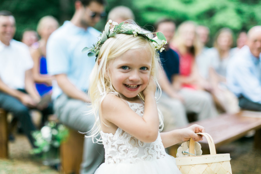 flowergirl deep south farm ellijay north georgia atlanta wedding photographer