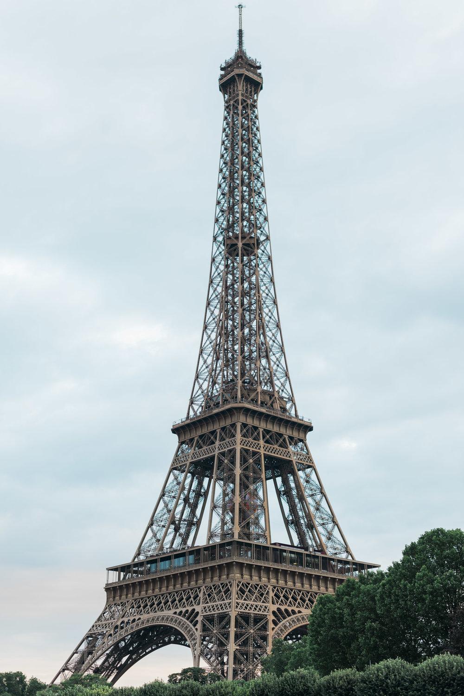 eiffel tower boat tour paris france travel photographer