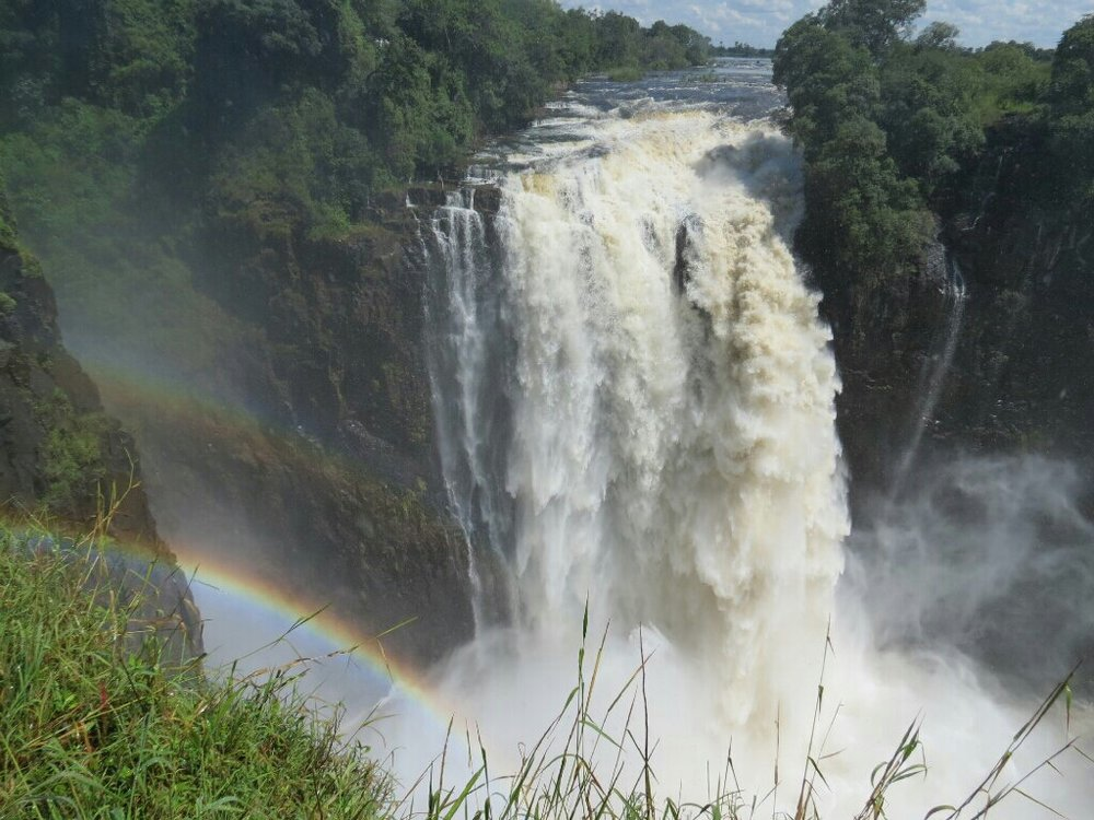 Devil's Catarac and rainbow.