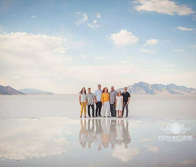 When in #utah you should really make the drive out to the #saltflats Probably one of the most incredible views. I was so happy that we could work it out to get #family pictures of one of my most favorite families. Their son is headed off for his #mission for #2years in #japan #familiesareforever #lds