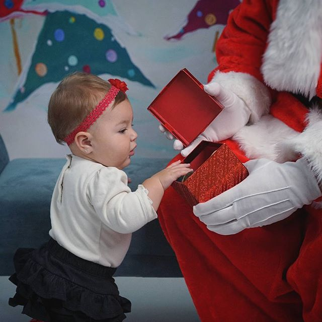 Getting ready for #christmas sessions in our studio. Even #santa makes a guest appearance! I love the curiosity of little ones! The wonder in their eyes!  #santaclaus #love #photographer  #photography #children #childrensphotography #childrensphotographer #familyphotography