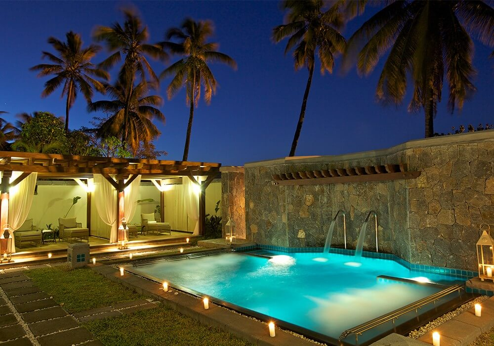 spa-pool-luxury-wellness-experience-telfair_0.jpg