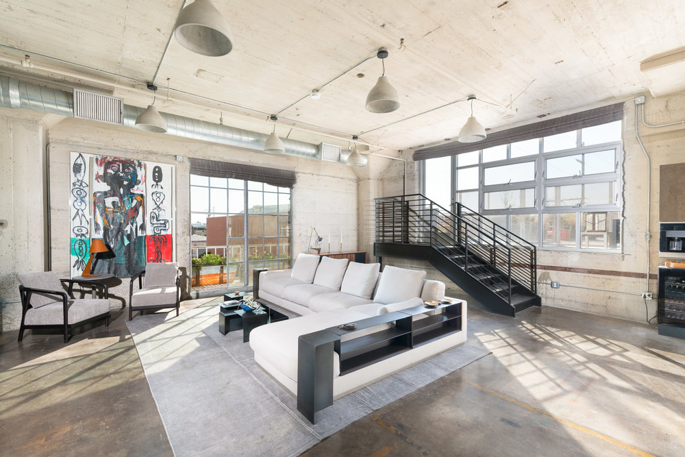 This exquisite loft places you in the heart of the red-hot Arts District in Downtown LA. || Repped by Tracy Do    #homesbyDkCowles   #DkfindsHomes  #compassrealestate