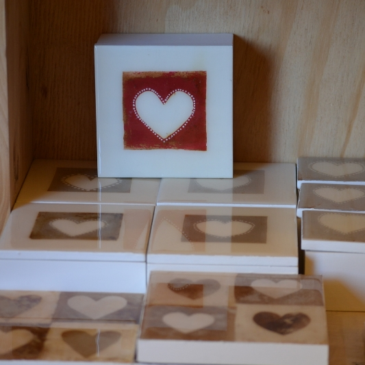 Hearts made from teabags #Heartistry.info