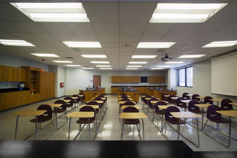 EMHS Freshman Academy Science Lab #5sm.JPG