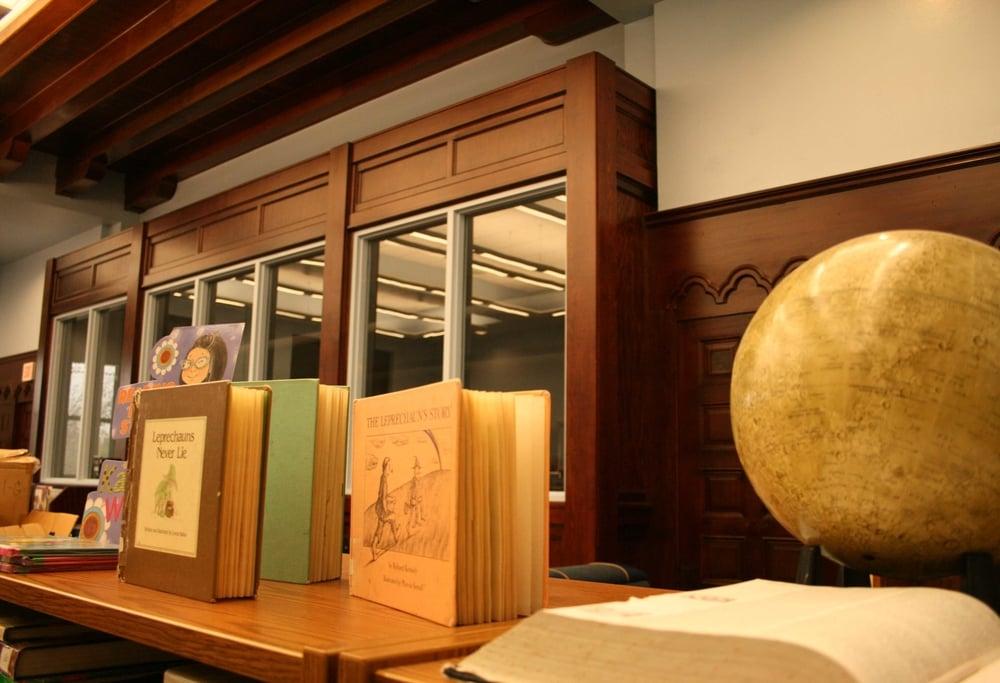 Sequoyah Library.JPG