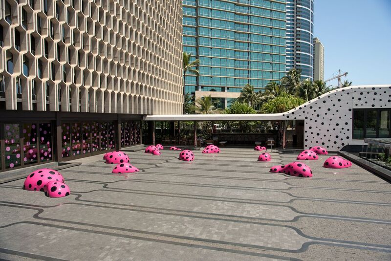 IBM Building at Ward Village, Yayoi Kusama, Footprints of Life, 2016. Photo by AJ Feducia