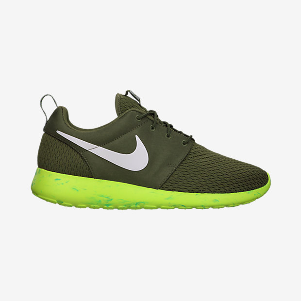 Nike-Roshe-Run-Mens-Shoe-669985_200_A.jpg