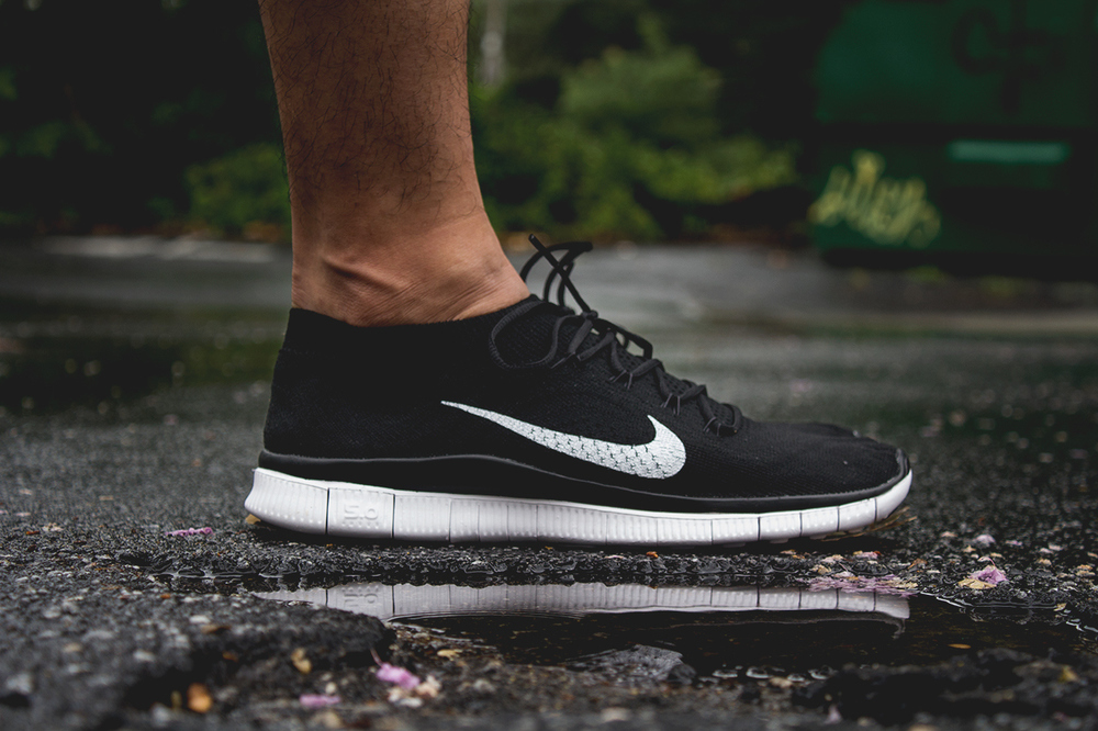 nike free flyknit plus black