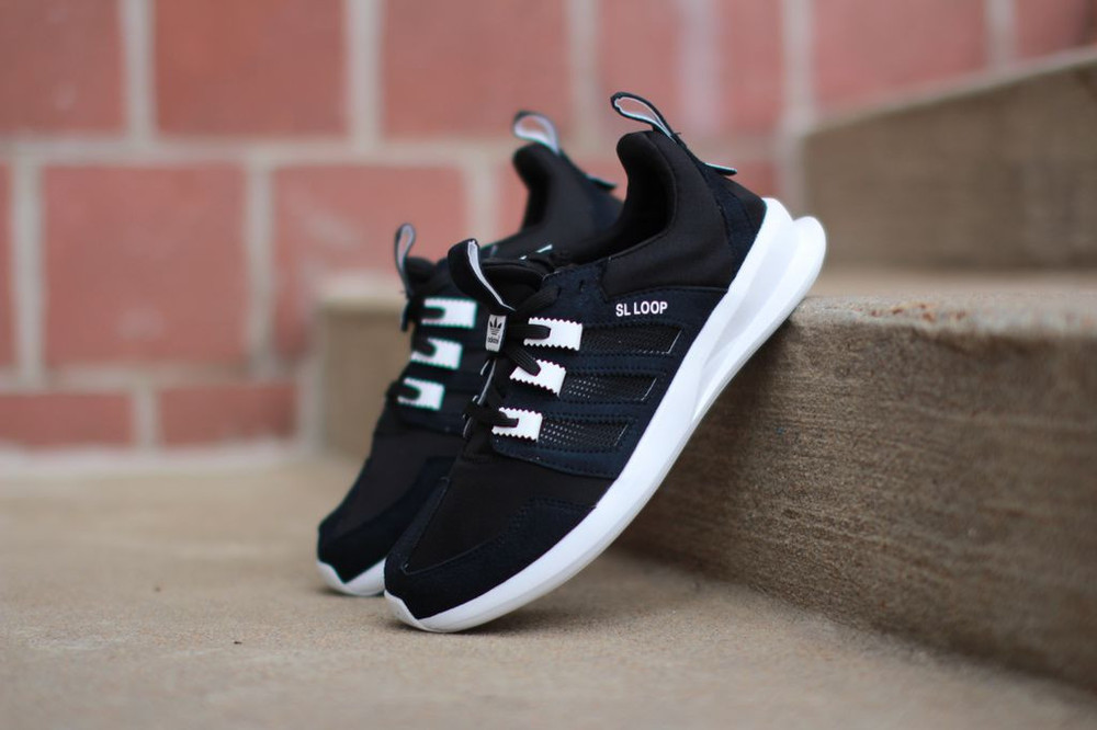 black adidas sl loop retail