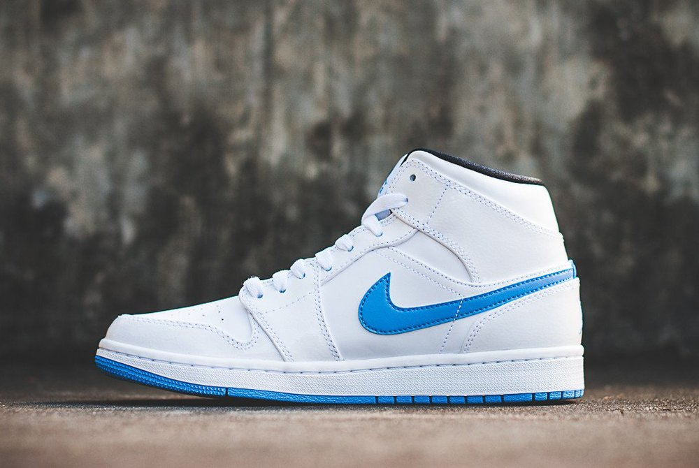 legend blue jordan 1 mid on feet