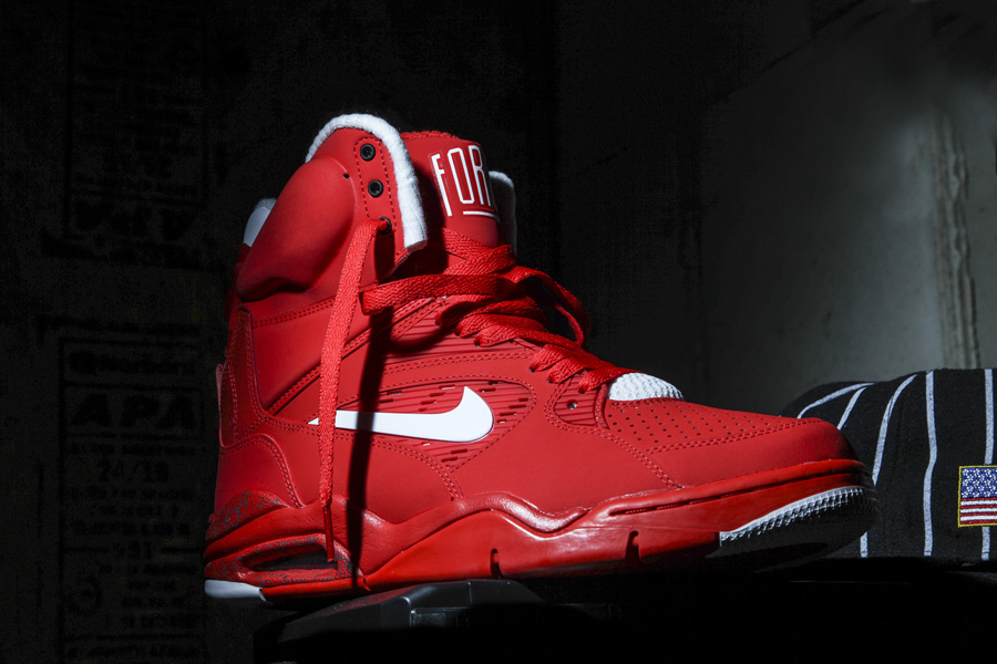 A-Closer-Look-At-The-University-Red-Nike-Air-Command-Force-For-2015-1.jpg
