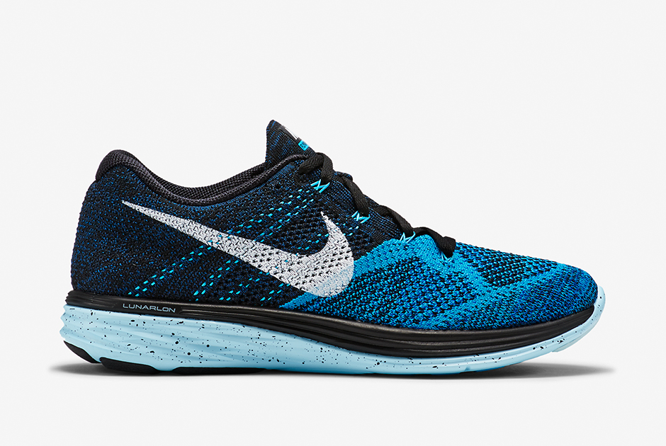 nike-flyknit-lunar-3-black-blue-lagoon-ice-club-blue-white-2.jpg