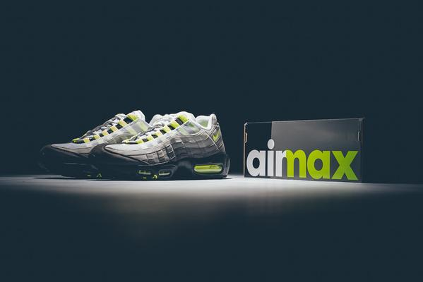 neon air max 95 OG on sale!