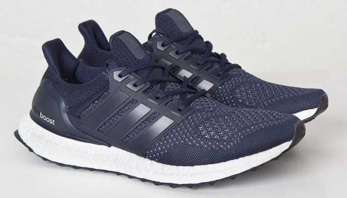 Colleigate Navy/Collegiate Navy/Silver Metallic Ultra Boost