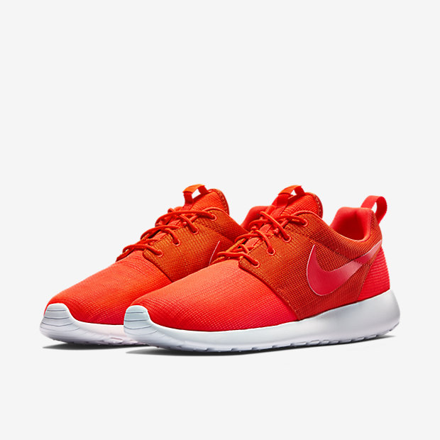 Nike-Roshe-Run-Mens-Shoe-511881_663_E_PREM.jpg