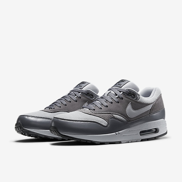 Nike-Air-Max-1-Essential-Mens-Shoe-537383_019_E_PREM.jpg