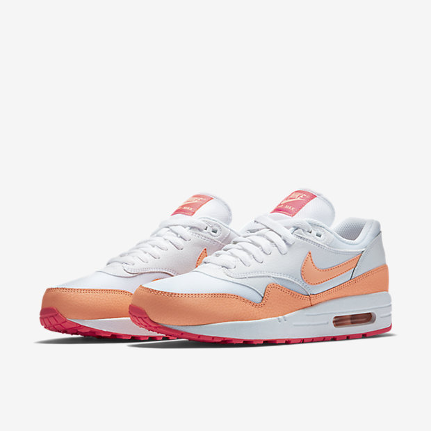 "Nike Air Max 1 Essential is $60 with code ""PUMPED http://bit.ly/1UAJU9s"