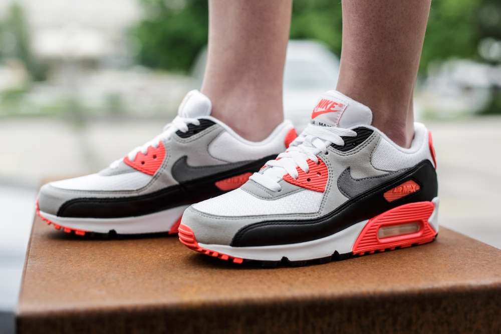 women's air max 90 on feet