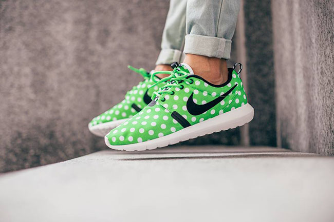info for afcba 28786 Polka Dot Nike Roshe