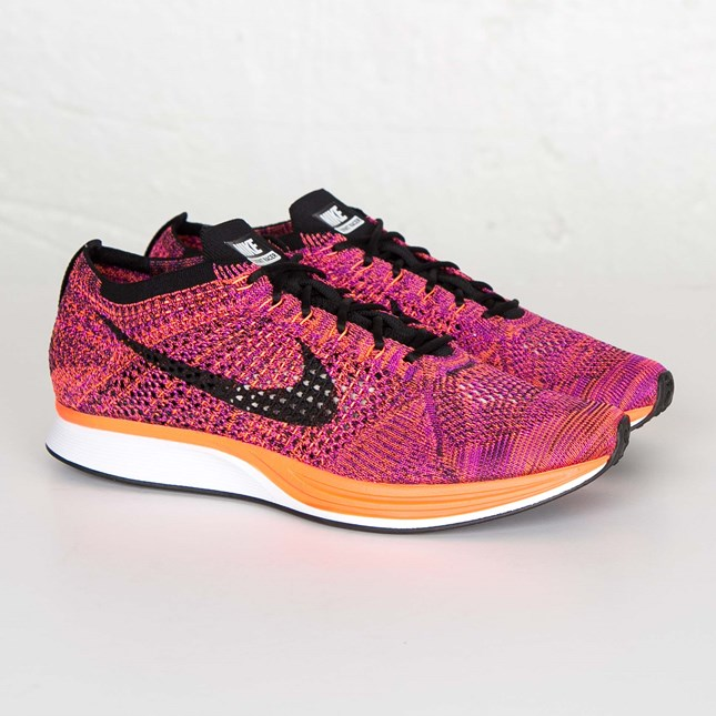 flyknit racer 526628-008 Black/Black-Hyper Orange-Vivid Purple