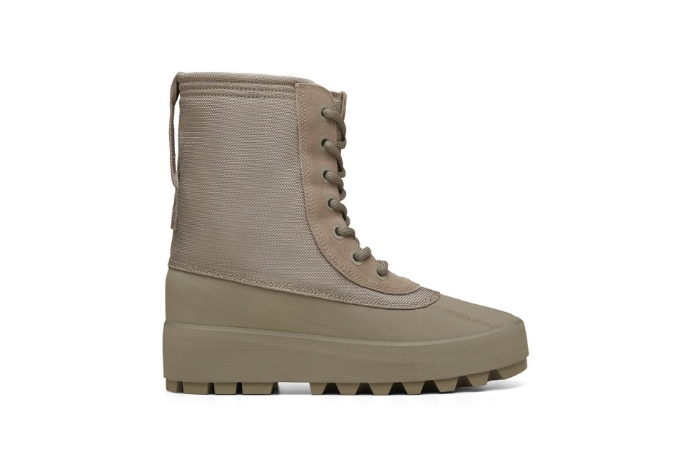 yeezy-950-duck-boot-3-960x640.jpg