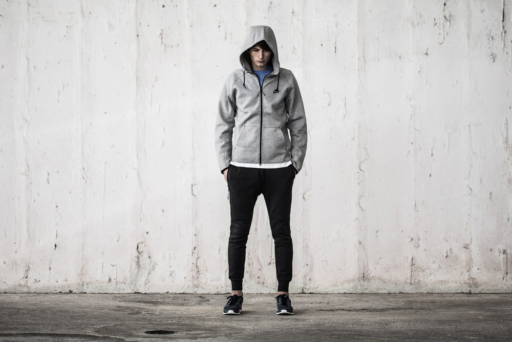 nike tech fleece under retail